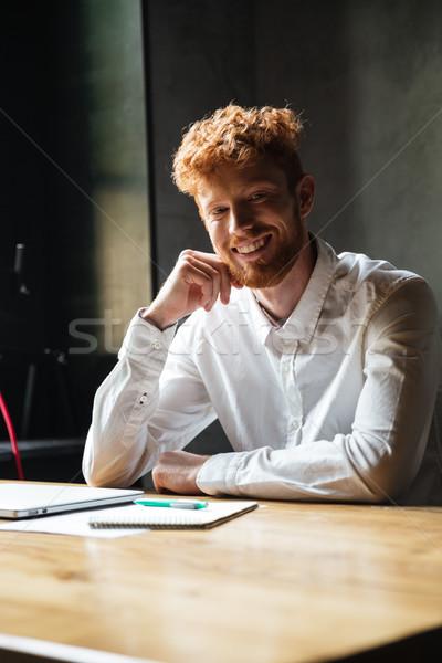 Jovem alegre barbudo homem branco camisas Foto stock © deandrobot