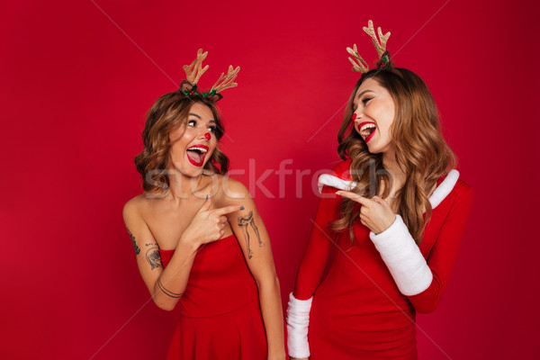 幸せ 若い女性 友達 着用 クリスマス 鹿 ストックフォト © deandrobot