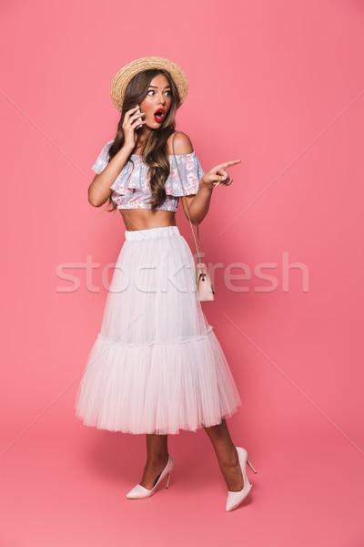 Retrato maravilhado caucasiano mulher 20s Foto stock © deandrobot