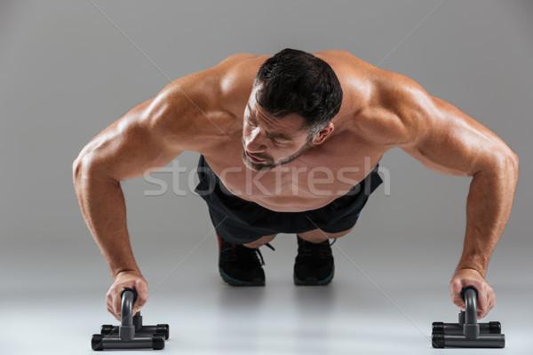 Portret muskularny silne półnagi mężczyzna Zdjęcia stock © deandrobot