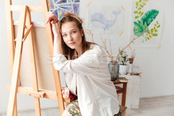 Séduisant jeunes dame peintre Photo stock © deandrobot