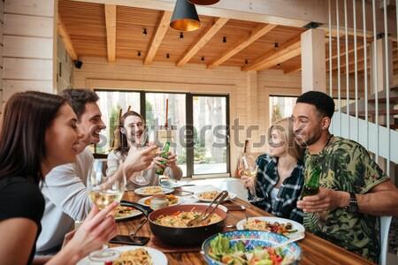 Photo stock: Groupe · heureux · souriant · amis · manger · potable