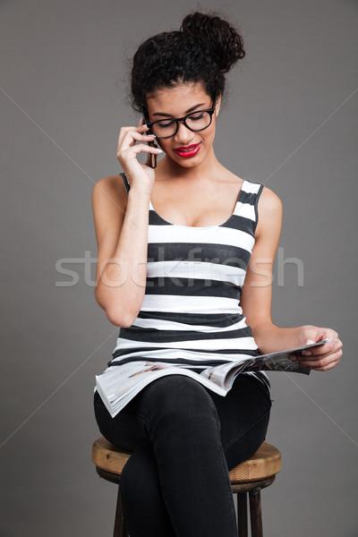 девушки сидят Председатель журнала портрет случайный Сток-фото © deandrobot
