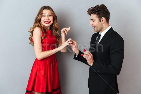 Ritratto felice uomo anello di fidanzamento dito Foto d'archivio © deandrobot