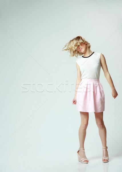 Teljes alakos portré fiatal gyönyörű nő szórakozás szürke Stock fotó © deandrobot