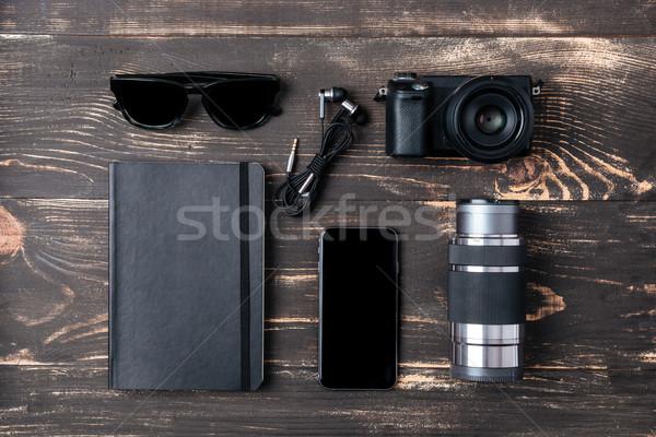 Trio secretária espaço homens comunicação Foto stock © deandrobot
