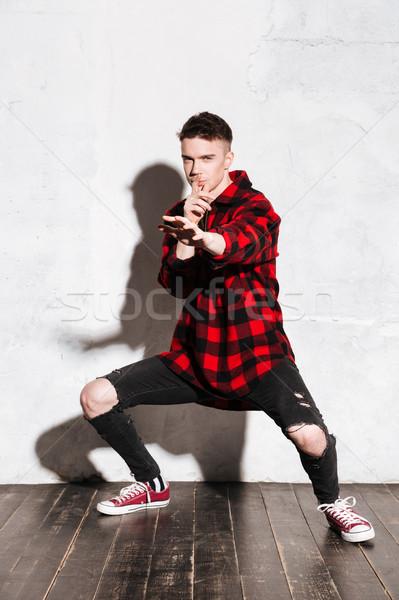 Dikey görüntü savaş bakıyor kamera adam Stok fotoğraf © deandrobot