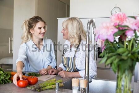 счастливым молодые Lady Домашняя кухня кухне бабушки Сток-фото © deandrobot
