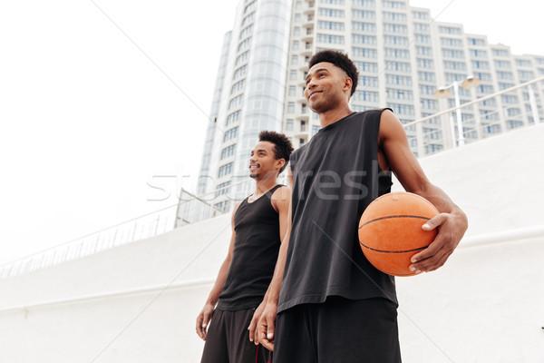 Foto stock: Concentrado · jovem · africano · esportes · homens · basquetebol
