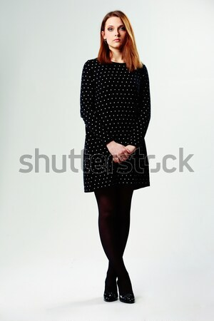 Portré fiatal gyönyörű nő alkalmi ruha szürke modell Stock fotó © deandrobot