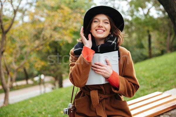 Portre gülme kız sonbahar kat Stok fotoğraf © deandrobot