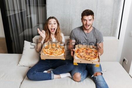 Foto stock: Alegre · comer · pizza · potable · cerveza