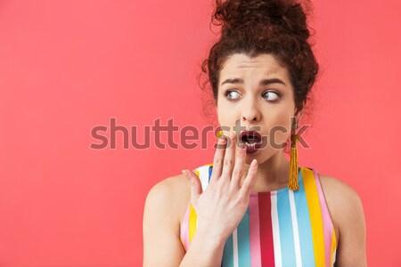 Vicces aranyos fiatal nő buborékfújás rózsaszín nő Stock fotó © deandrobot