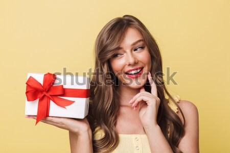 Közelkép fotó elragadtatott kaukázusi nő néz Stock fotó © deandrobot