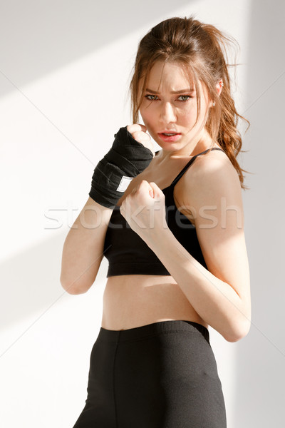 Сток-фото: концентрированный · молодые · спортивных · женщину · Боксер · изображение