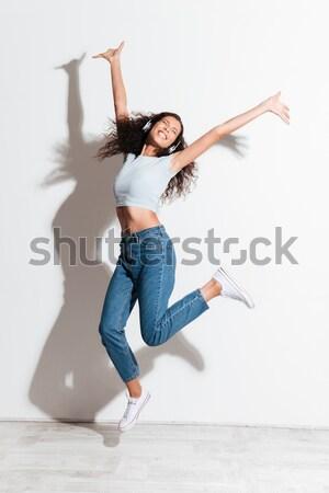 Stock fotó: Teljes · alakos · portré · kettő · derűs · fiatal · nők · ugrik