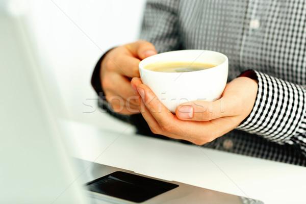 Afbeelding mannelijke handen beker Stockfoto © deandrobot