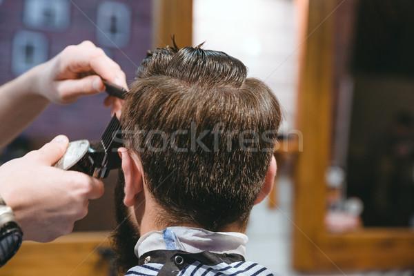 Kezek készít frizura férfi körülvágó közelkép Stock fotó © deandrobot