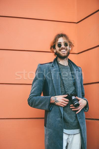 Portret glimlachend bebaarde man camera Stockfoto © deandrobot