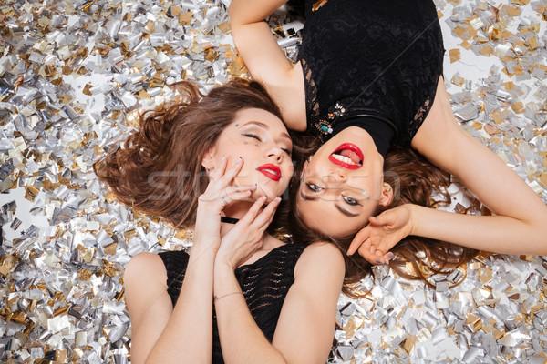Sensual atraente mulheres jovens lábios vermelhos posando topo Foto stock © deandrobot