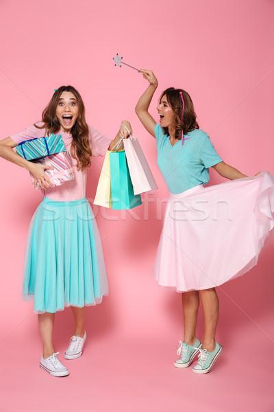 Foto dos feliz mujer Foto stock © deandrobot
