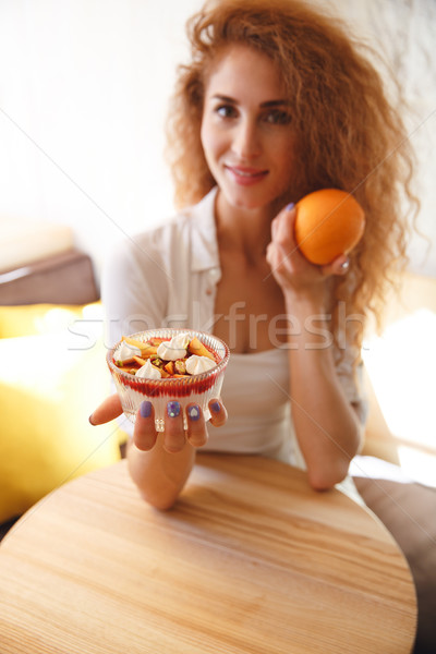 かなり 赤毛 小さな 女性 カフェ ストックフォト © deandrobot