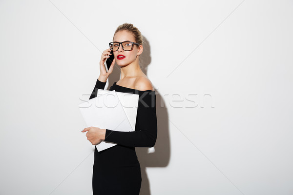 Photo stock: Calme · femme · d'affaires · robe · lunettes · documents