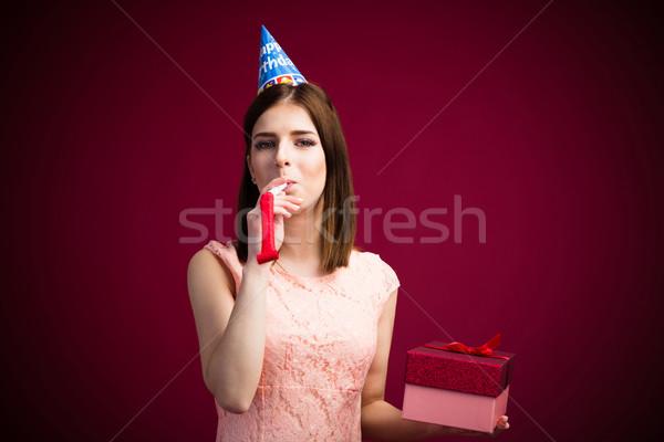 Vrouw fluiten geschenk roze Stockfoto © deandrobot