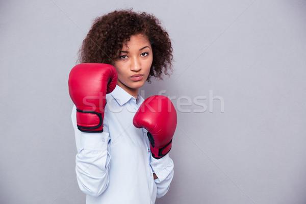 Africano americano mulher luvas de boxe retrato belo Foto stock © deandrobot