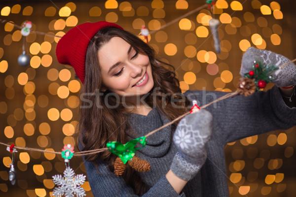 Glimlachend meisje handgemaakt christmas decoratie Stockfoto © deandrobot