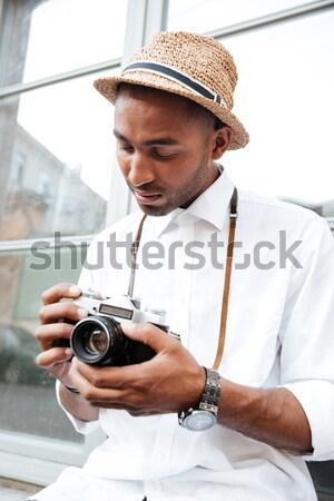 Afro americano cámara calle hombre pelo Foto stock © deandrobot