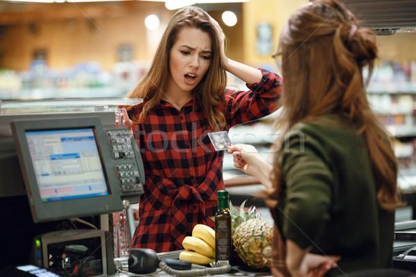 путать молодые Lady Постоянный супермаркета магазин Сток-фото © deandrobot