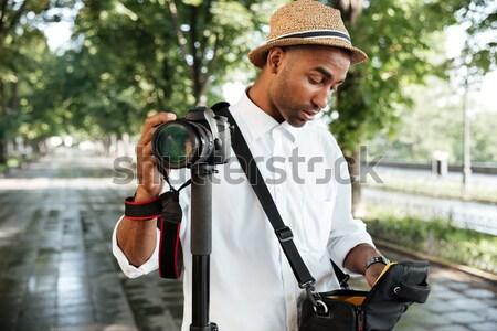 Güzel siyah adam park kamera adam mutlu Stok fotoğraf © deandrobot