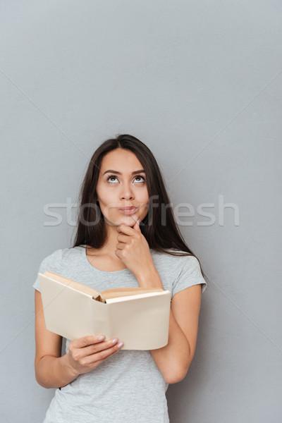 Stock fotó: Függőleges · kép · figyelmes · nő · tart · könyv