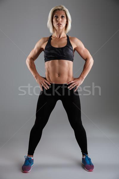 肖像 筋肉の 成人 スポーツウーマン 立って ストックフォト © deandrobot