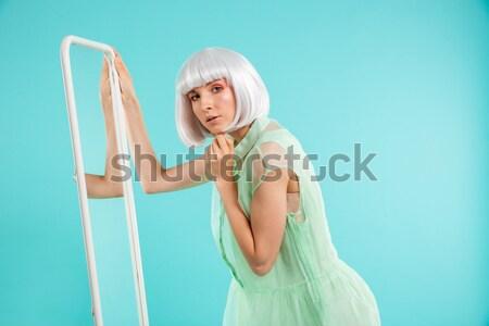 かわいい 若い女性 ブロンド かつら ミラー 女性 ストックフォト © deandrobot