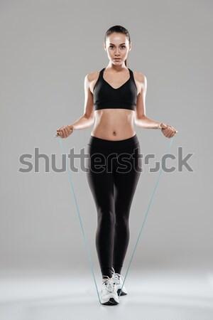 Zijaanzicht fitness vrouw studio afbeelding omhoog Stockfoto © deandrobot