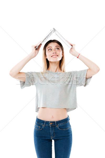 Fiatal szőke nő rejtőzködik laptop vicces laptop számítógép Stock fotó © deandrobot