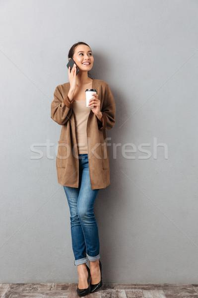Stock fotó: Teljes · alakos · mosolyog · fiatal · ázsiai · nő · beszél