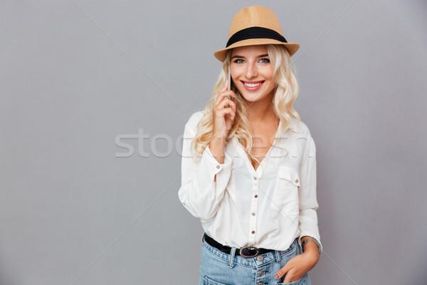 Сток-фото: Hat · говорить · мобильного · телефона · изолированный