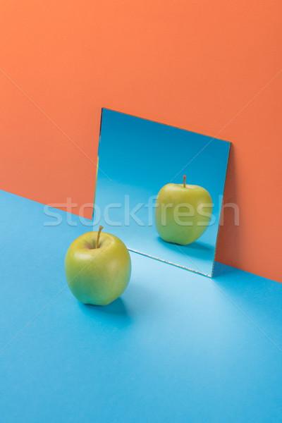Stock fotó: Alma · kék · asztal · izolált · narancs · kép