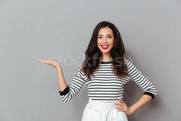 Portret gelukkig meisje permanente arm heupen Stockfoto © deandrobot