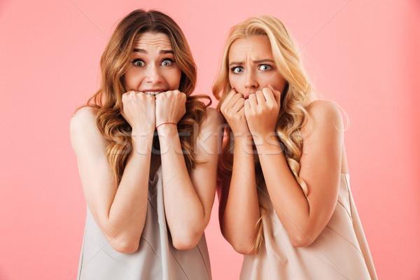 Dwa bać dość kobiet piżama patrząc Zdjęcia stock © deandrobot