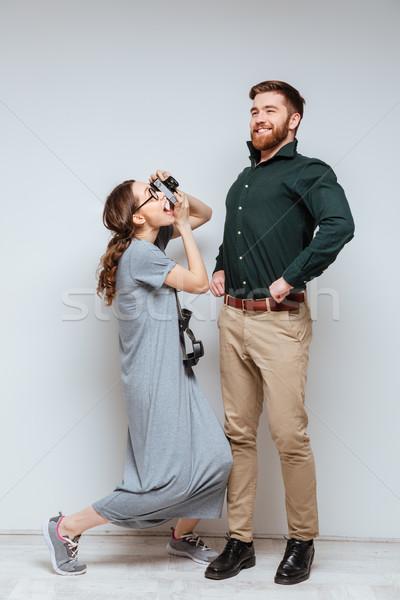 Függőleges kép női stréber készít fotó Stock fotó © deandrobot