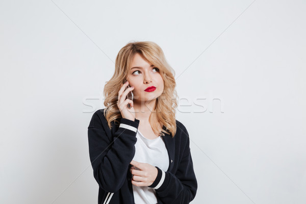 Foto stock: Retrato · chateado · jovem · casual · mulher · falante