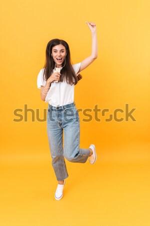 Uśmiechnięty dziewczyna deskorolka portret Zdjęcia stock © deandrobot