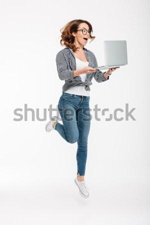 Foto stock: Retrato · sonriendo · casual · nina · ordenador · portátil