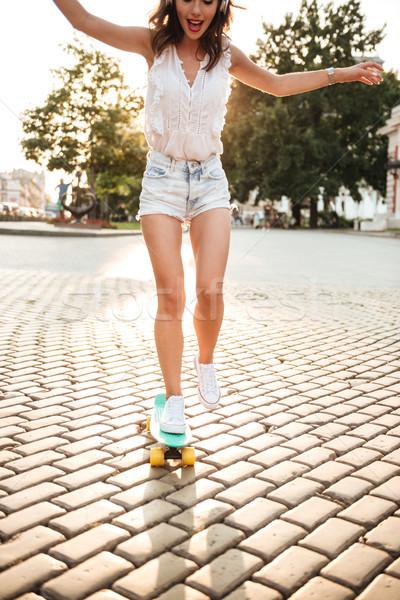 фото удивительный скейтборде улице глядя Сток-фото © deandrobot