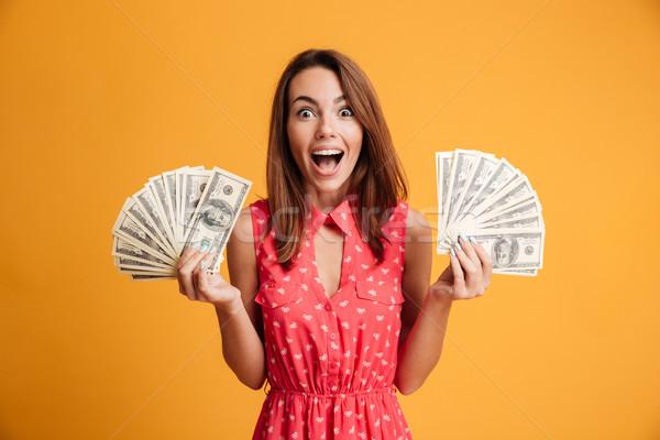 Primer plano foto jóvenes feliz mujer vestido rojo Foto stock © deandrobot