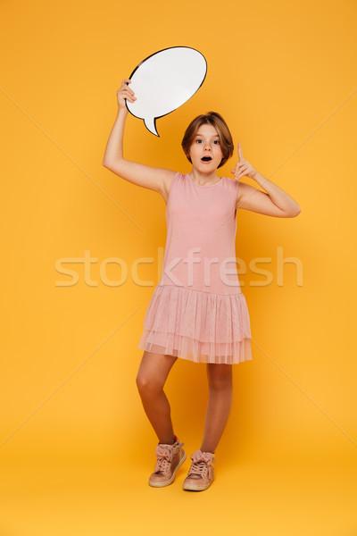 Shot szczęśliwy dziewczyna Bańka mowy Zdjęcia stock © deandrobot